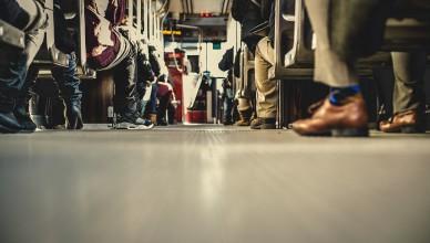 herkenbaar tijdens reizen openbaar vervoer