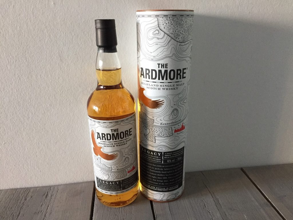 peated malt whisky Ardmore fles