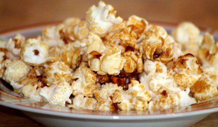 thuis zoete popcorn maken
